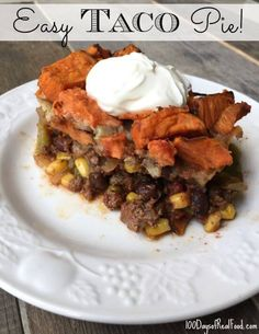 Made in November 2015 and we LOVED it. My husband finished it all off the second night, too, and there was quite a bit left. This Taco Pie is a Mexican version of Shepherd's Pie. It's an easy weeknight meal when you use frozen roasted sweet potatoes. Mexican Food Recipes, Beef Recipes, Whole Food Recipes, Dinner Recipes, Cooking Recipes, Healthy Recipes, Dinner Ideas, Freeze Sweet Potatoes, Roasted Sweet Potatoes