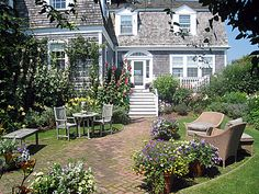 Nantucket Homes are too pretty.