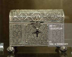 Another unidentified Silver filigree Casket 17th/ 18th Century Getty d'Agostini Picture Library