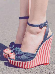 Pinup Wedges #vintage #retro #stripes