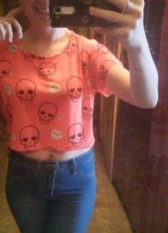Kup mój przedmiot na #vintedpl http://www.vinted.pl/damska-odziez/koszulki-z-krotkim-rekawem-t-shirty/13744550-odblaskowa-pomaranczowa-krotka-bluzka-w-czachy