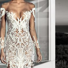 MUSE•• How AMAZING is this naked dress by @nektariaworld in love is an understatement #bridal #bride #nektaria #nektariaworld #designer #bridaldress #lace http://gelinshop.com/ipost/1524617940011634115/?code=BUoh_BMlM3D