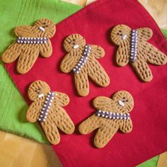 Gingerbread Wookie Cookie. What's not to love about this Star Wars inspired baking idea? I saw these over on the Sugared Nerd blog the other day & had to share them here. Hope you don't find them too Chewy, geddit? http://www.sugarednerd.com/recipes-and-how-tos/2015/12/2/recipe-gingerbread-wookiee-cookies baking, children, cookies, chewbacca, the force awakens, nerd, superfan, cookies