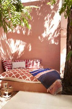 LaurenceLeenaert 063 Spa Interior Design, Interior Exterior, Outdoor Spaces, Outdoor Living, Outdoor Decor, Mexican Restaurant Design, Porch And Balcony, Bohemian House, Pink Bedding