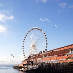 Contributor Jess Chamberlain shares her #InstaTravel tips for a weekend in Seattle. Her first stop: The Great Wheel.