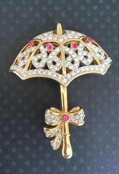 Lovely Vintage Gold Tone Metal Umbrella W/ Clear Crystals Pin/Brooch #Unbranded