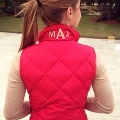 Times Monogram initials on collar of vest Fashion Moda, Look Fashion, Fall Winter Outfits, Autumn Winter Fashion, Monogram Vest, Monogram Clothing, Monogram Styles, Sweater Weather, Preppy Style