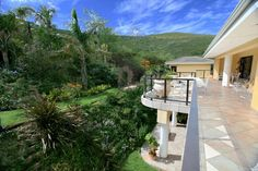 Houses For Sale in Plattekloof. View our selection of apartments, flats, farms, luxury properties and houses for sale in Plattekloof by our knowledgeable Estate Agents. Property Real Estate, 4 Bedroom House, Farms, African, Wine, Mansions, Lifestyle, Luxury, House Styles