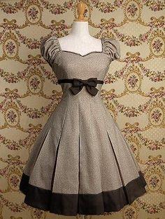 <3 this 1950's dress!