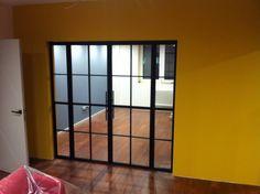 Оригинальные конструкции из стали стекла. разделяют интерьер, сохраняя свет и воздух; Лофт, Мебель, Домашний Декор