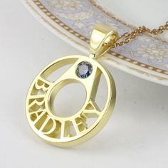 Wreath Name Pendant, Pierced Style in 18k Gold