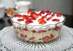 Pavê de Morango Sweet Recipes, Cake Recipes, Dessert Recipes, Menu Simple, Portuguese Desserts, I Love Food, Mousse, Delicious Desserts, Food To Make