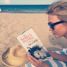 What Karlie Kloss and Poppy Delevingne Are Reading at the Beach via @mydomaine