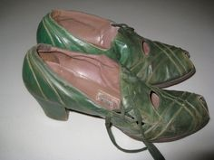 Vintage Womens Green Leather 1930s  Shoes sur Etsy, $53.40 CAD