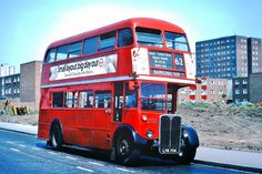 RT 2750 (LYR 734). Gascoigne Estate, Barking. 1978 London Bus, Old London, East London, Rt Bus, London Transport, Greater London, London Photos, Photo Archive, Vintage Photographs