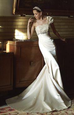 マーメイドドレス、マーメイドラインのメリーマリー Merry Marry Wedding Images, Formal Dresses, Wedding Dresses, One Shoulder Wedding Dress, Marie, Mermaid, Dresser, Fashion, Dress