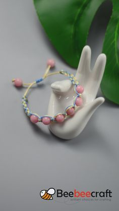 Fantastic Photographs idea on making braided with nylon and . And much more I like to sew my own, personal Jeans. Next Jeans Sew Along I am going Diy Friendship Bracelets Tutorial, Diy Bracelets Easy, Bracelet Tutorial, Handmade Bracelets, Handmade Jewelry, Braided Bracelets, Leather Bracelets, Diy Crafts Jewelry, Bracelet Crafts