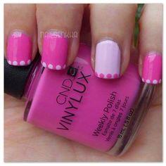 Manicura francesa en rosa con puntos, ¡una idea genial!