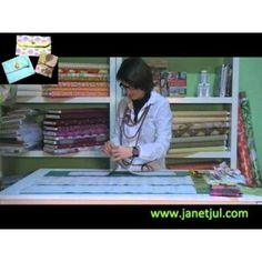 Aprende a coser tres bolsos de diferentes medidas con Quiltsmart Patches, Baseball Cards, Ideas Para, Easy Quilts, Totes, Blinds, Mini Bag, Lamp Shades, Learn To Sew