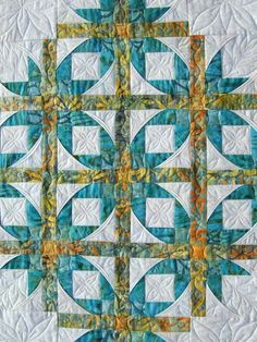 Mexican Star quilt by Lynn. Quilted in a leaf design by Kathy Schwarz | Tamarck Shack. Quilt pattern by Annette Ornelas, http://www.southwindquilts.com/