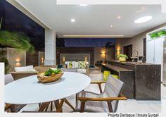 O Terraço Gourmet é um dos pontos alto do projeto desta casa. Possui ilha de cocção churrasqueira elétrica e geladeira. O ambiente está integrado com as salas e cozinha por amplas portas. Todo o conforto para aproveitar também a piscina. Destaque para a lamina dágua em mármore filetado. Lindo projeto idealizado por Isnara Gurgel. . Ad http://ift.tt/1U7uuvq arqdecoracao arqdecoracao @arquiteturadecoracao @acstudio.arquitetura #arquiteturadecoracao #olioliteam #canalolioli #instagrambrasil…