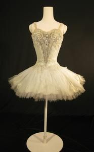 Tutu worn by Margot Fonteyn as Princess Aurora in Act II of the Sadler's Wells Ballet production of 'The Sleeping Beauty' (1946)