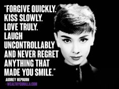 Audrey Hepburn wasn't just an exquisite actress and gorgeous sex symbol- she was also a caring, inspirational individual with plenty of wise words to share. Check out these 20 absolute BEST Audrey Hepburn quotes that are SURE to inspire you! Audrey Hepburn Movies, Audrey Hepburn Quotes, Audrey Hepburn Tattoo, Audrey Hepburn Style, Great Quotes, Quotes To Live By, Inspirational Quotes, Motivational, Quirky Quotes