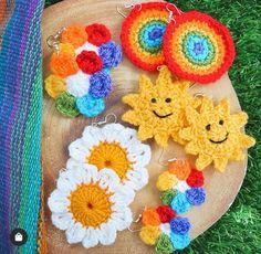 Kawaii Crochet, Cute Crochet, Crochet Crafts, Yarn Crafts, Crochet Projects, Knit Crochet, Sewing Projects, Chrochet, Cute Crafts