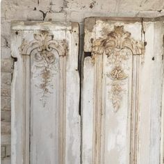 These beautiful panels are still available ! #boiserie #patine #aged #antiquites #antiques #18eme #toujoursdisponible #Ijustsoldthem
