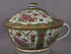 Famille Rose Chinese porcelain chamber pot, 19th c :