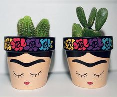 Flower Pot Art, Flower Pot Design, Painted Plant Pots, Painted Flower Pots, Clay Pot Crafts, Diy Home Crafts, Pottery Painting, Diy Painting, Kino Party