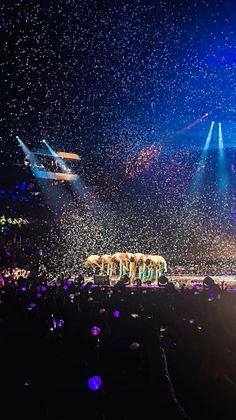 BTS Love Yourself Tour in Fort Worth - kitli kil Foto Bts, Bts Photo, Bts Group Photos, Bts Backgrounds, Bts Love Yourself, Bts Aesthetic Pictures, 19 Days, Kpop, Bts Lockscreen