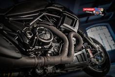 Ducati-Diavel-Carbon-2016-Pipes-1.jpg (1920×1278)