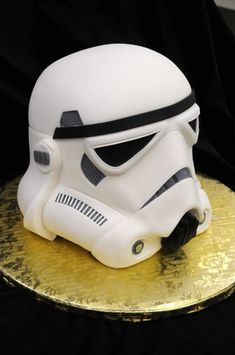 Awesome nerdy Stormtrooper helmet from Star Wars geek cake