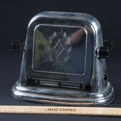 CUTE VINTAGE ART DECO TOASTER BY BERSTED MODEL NO. 71. IT IS 2 SLICE AND FLIPS DOWN. IT IS MISSING THE CORD.