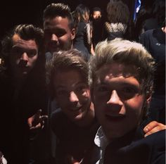 4/4 selfie Niall just posted on Instagram