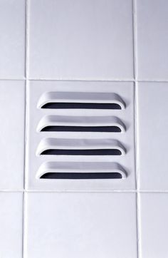 A Vent Built into a Piece of Tile / Peter van der Jagt, Erik Jan Kwakkel, and Arnout Visser invented DTile