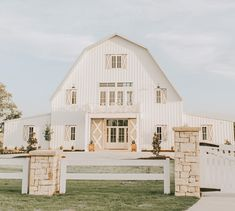 Barn House Plans, Barn Plans, Dream House Plans, My Dream Home, Dream Barn, Metal Building Homes, Building A House, Style At Home, Modern Farmhouse
