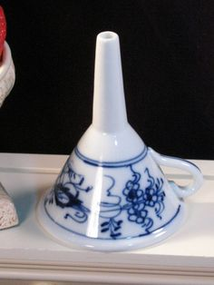 Antique Meissen Blue Onion Blue Danube Porcelain Small Funnel