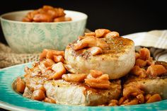 Baked Pork Chops with a Cinnamon Glaze - Bake.-These baked pork chops with a cinnamon glaze are a simple, 30 minute meal that your whole family will love. Served with baked cinnamon apples and so tasty! Cinnamon Glaze Recipe, Baked Cinnamon Apples, Cinnamon Basil, Pork Recipes, Cooking Recipes, Healthy Recipes, Easy Baked Pork Chops, Mustard Pork Chops, Tasty Kitchen