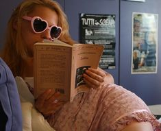lolita, pink, and book image Chicas Punk Rock, Rose Vintage, Ex Machina, All I Ever Wanted, Foto Pose, Light Of My Life, My Vibe, Photo Dump, Pretty Little Liars