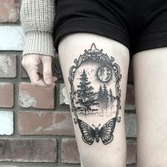 Forest tattoos, butterfly thigh tattoo, side of thigh tattoo, tree thigh . Tigh Tattoo, Mädchen Tattoo, Tattoo Trend, Piercing Tattoo, Tattoo Thigh, Wald Tattoo, Side Thigh Tattoos, Tattoo Quotes, Tattoo Fonts