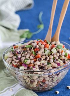 Mexican Black-eyed Pea Salad with Red Pepper. This healthy vegan recipe has a lime vinaigrette dressing and a polite touch of jalapeño chile. #salad #recipe #blackeyedpeas #healthyrecipes