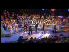 Awesome performance of Bond's track Victory feat. Andre Rieu