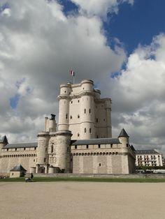 Chateaux de Vincennes , Paris http://www.pinterest.com/adisavoiaditrev/boards/