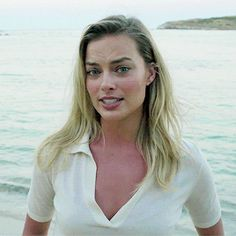 Your source for everything dedicated to the beautiful and talented Aussie actress Margot Robbie. Actriz Margot Robbie, Margot Elise Robbie, Margot Robbie Tumblr, Morgot Robbie, Hearly Quinn, Blond, Harley Quinn Comic, Cute Beauty, Gal Gadot