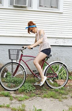 Katie of Skunkboy Blog found a match made in heaven, pairing The King's Peach Top with her retro cruiser bike. Do you have a favorite casual summer biking outfit?  3 Kelly, ModStylist