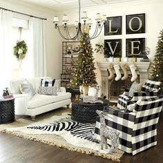 Rustic Living Rooms Ideas - Surf rustic living-room decorating ideas as well as furnishings designs. Discover layout inspiration from a range of mountain design living rooms, consisting of shade, decoration . French Country Living Room, Country Decor, Decor, Country Living Room, Rustic Living Room, Farmhouse Christmas Decor, Farm House Living Room, Christmas Living Rooms, Country House Decor