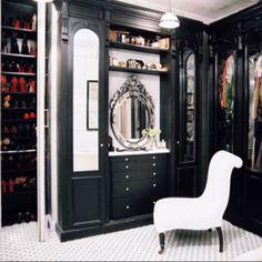 Espejo antiguo del tocador cuarto