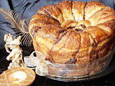 CAIETUL CU RETETE: Cozonac floare Bagel, Sweets, Bread, Food, Dinners, Recipes, Sweet Pastries, Dinner Parties, Meal